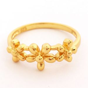 Yesterday Today Tomorrow Flower Ring - Yellow Gold